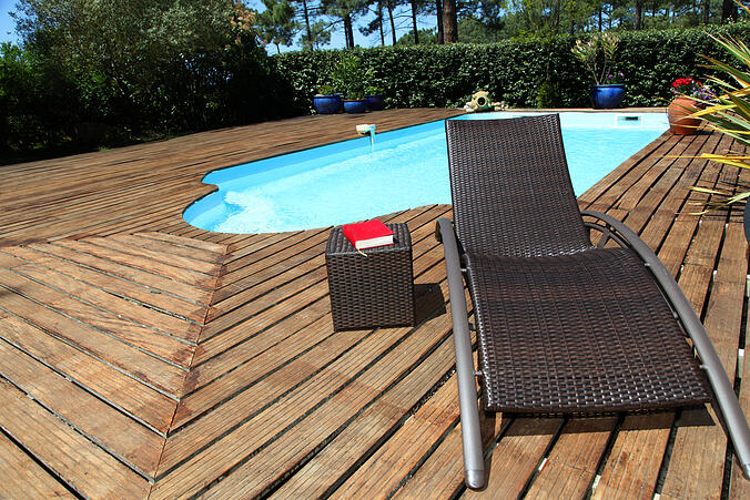 how your pool can hurt your home's foundation